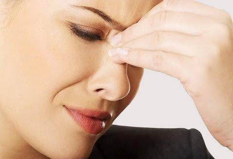 Come alleviare mal di testa da sinusite for Mal di testa da sinusite rimedi della nonna