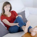 Come curare un crampo alla gamba